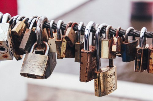 Locks by marcos mayer via unsplash